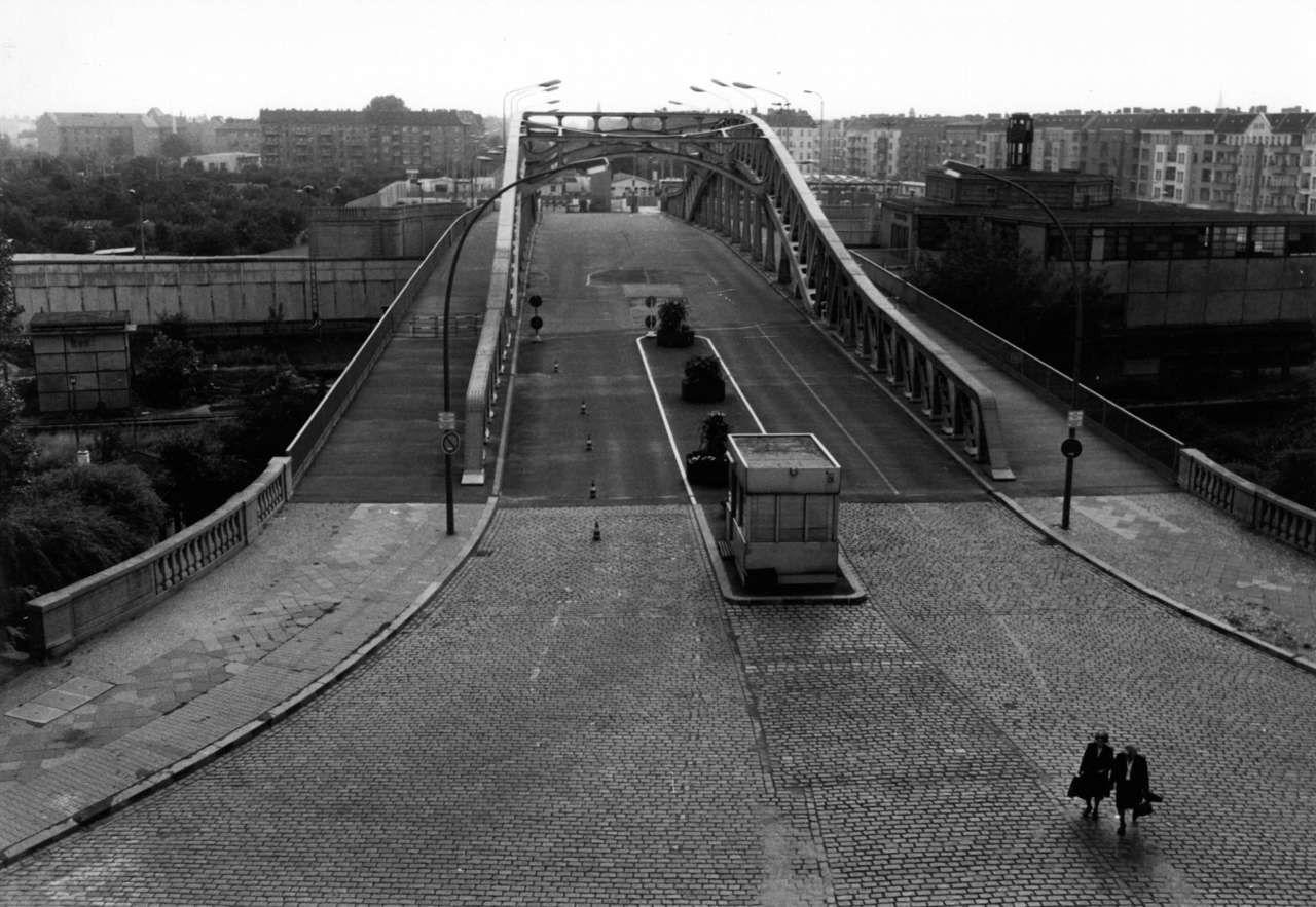 Auf Der Strasse Nach Berlin