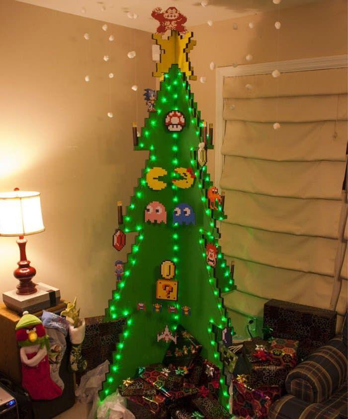 pac-man-christmas-treejpg (700×842) Bügelperlen Pinterest
