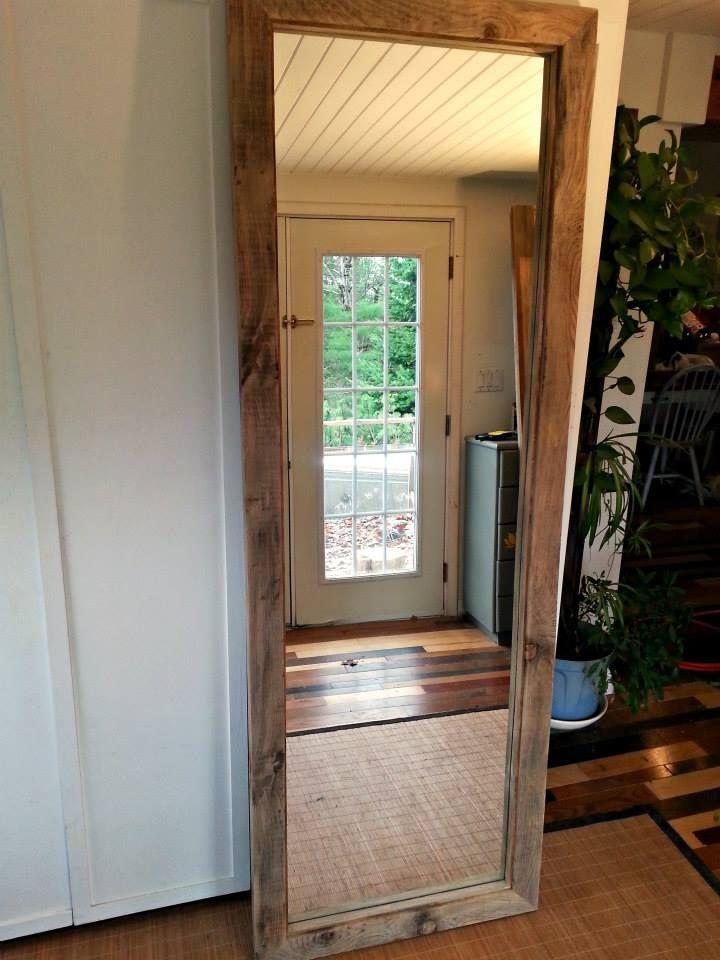 fabriquer miroir bois plein pied avec vieille porte coulissante