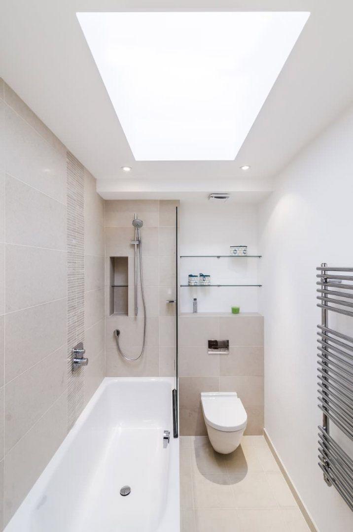 50 idee moderne per ristrutturare un bagno stretto e lungo for Idee ristrutturazione