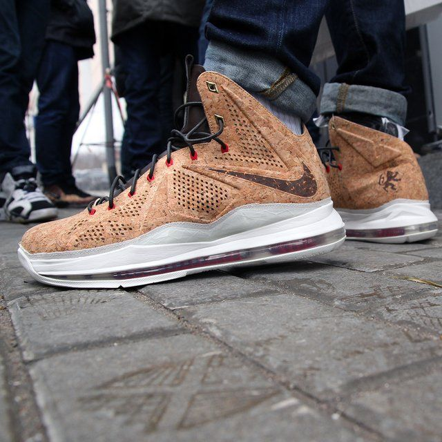 Released back in the Nike Lebron X EXT Cork QS Basketball Shoes are built to
