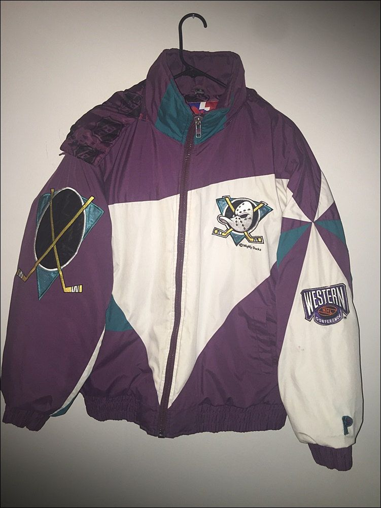 Vintage 90 S Nhl Anaheim Mighty Ducks Winter Coat Jacket Size Large By Rackraidersvtg On Etsy Vintage Street Fashion Retro Outfits Vintage Shirts