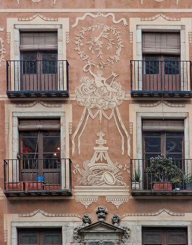 Casa del Gremi de Revenedors, Plaça del Pi, Barcelona