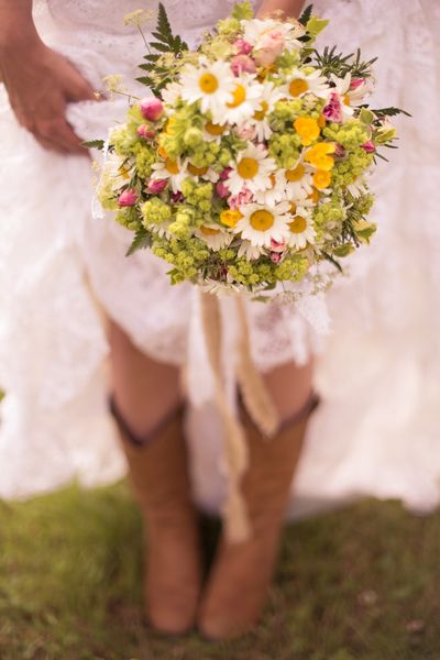 The Rustic Chic Bride - inspiration for our Wedding Festival at Whitemoor Farm. Image by Lucy Shergold