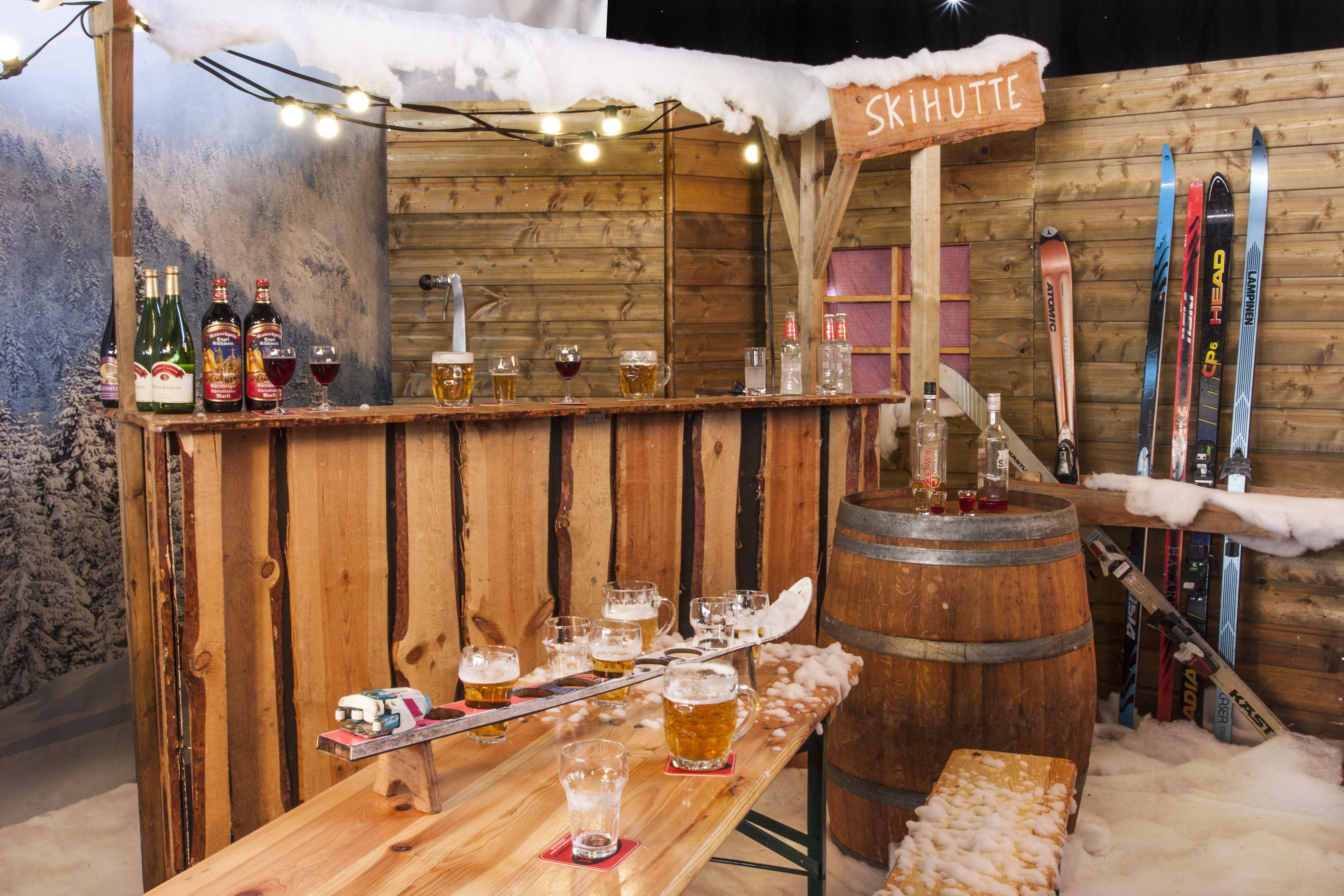 Gezellige apr s ski party in de sneeuw deze decoratie huurt u bij ome piet verhuur - Decoratie bar ...
