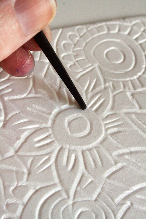 Scratch designs into styrofoam plates to use like rubber stamps - good idea. I'm going to have to try this. One day.