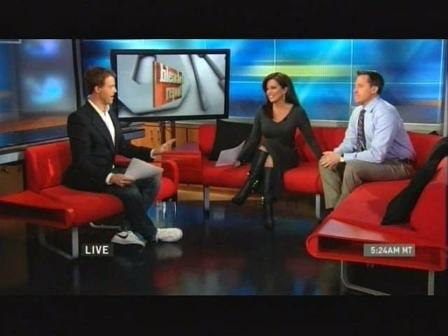THE APPRECIATION OF BOOTED NEWS WOMEN BLOG : Robin Meade Is Back In Studio And BACK IN BOOTS!!