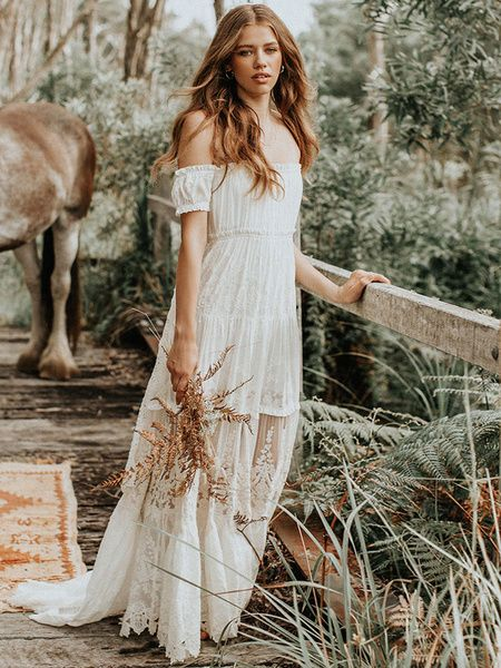 Robe de mariée Boho 2020 en dentelle sur l'épaule Une robe de mariée de longueur de plancher de ligne