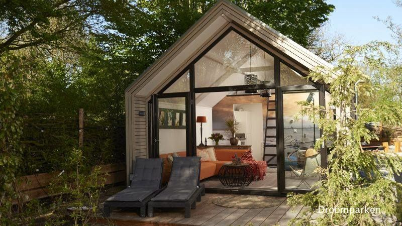 The Beach Edition A Contemporary Tiny House With A Large Front