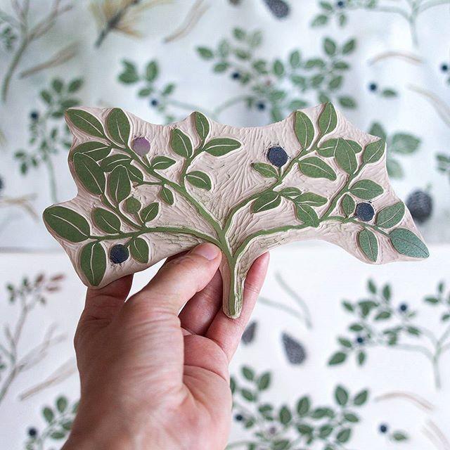 что бы такое сказать :) #линогравюра #linocut #process #handcarvedstamp #printmaking