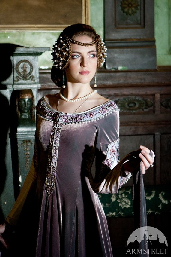 Pin By Lisa Karas On Halloween Medieval Gown