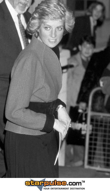 December 19 1987 Diana, Patron, National Children's Orchestra, attended a rehearsal by the orchestra at the Royal Academy of Music, Marylebone Road, NW London