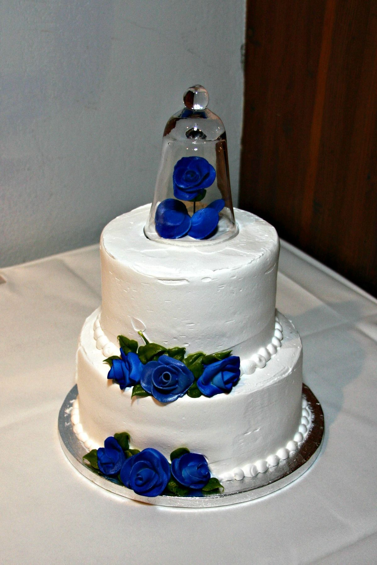 how much frosting for a 3 tier wedding cake our wedding cake simple two tier raspberry swirl 15478