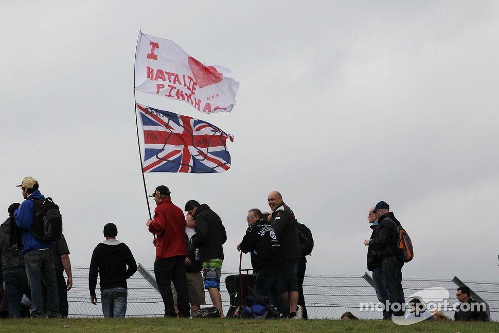 Fans of Natalie Pinkham (Silverstone 2013)