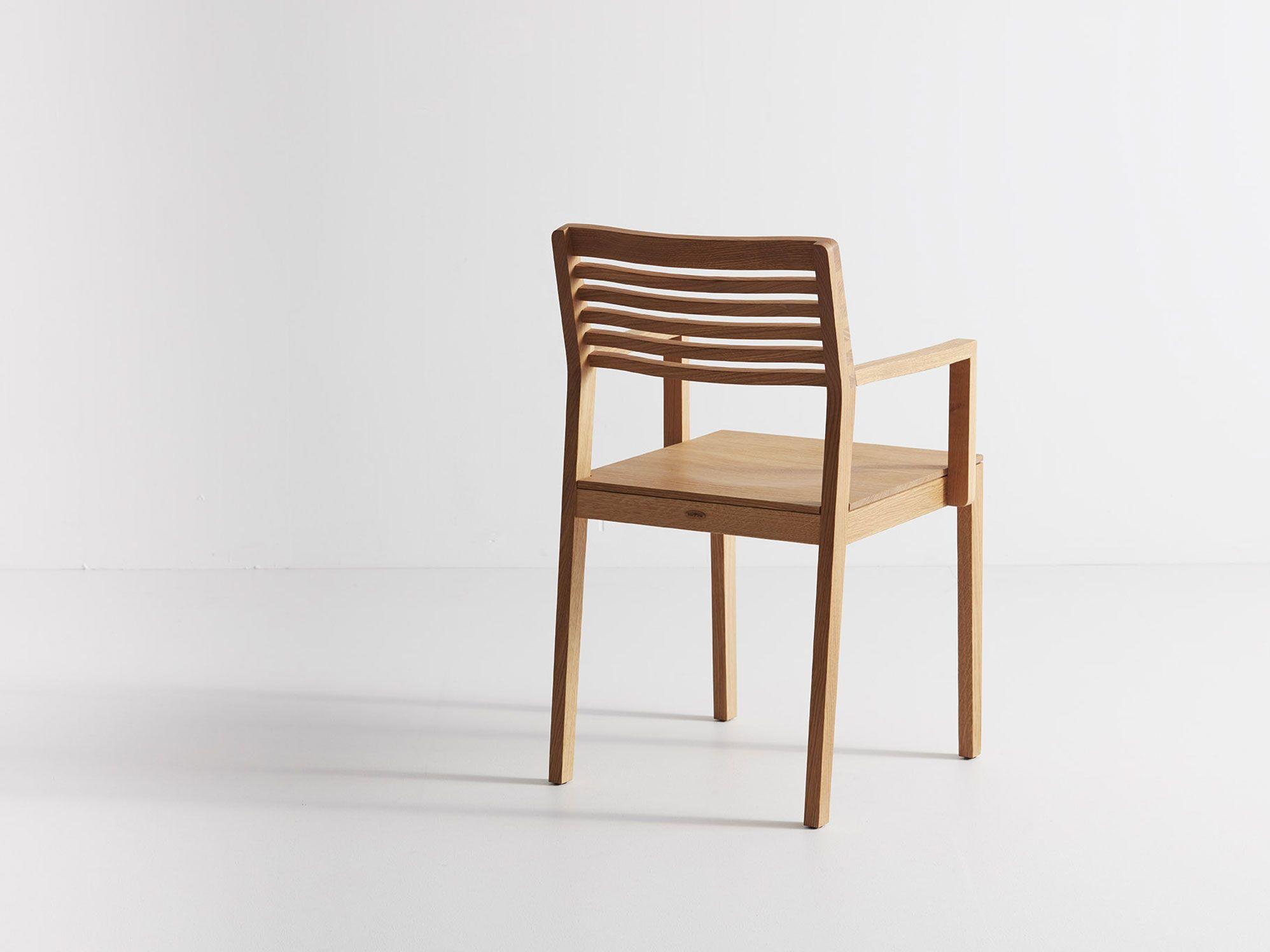 Stuhl Freddy In Eiche Mit Armlehne Stühle Grüne Erde Stuhlbeine