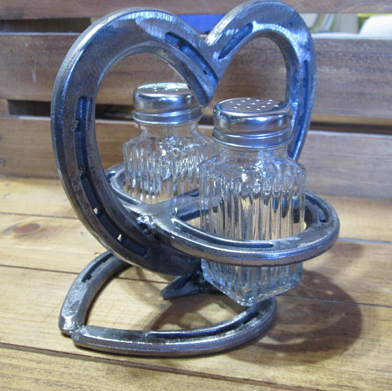 Photo of Items similar to Heart Salt and Pepper Holder – Country Kitchen Decor – Rustic Kitchen Decor – Farmhouse Kitchen Decor – Horse shoe kitchen decor – horseshoe on Etsy