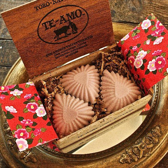 Heart shaped soap DIY with vintage tartlet tins ... the perfect Valentine's craft!