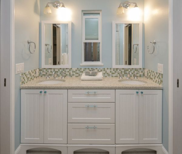 Double sinks in jack and jill bathroom new house jack - Jack and jill style bathroom ...