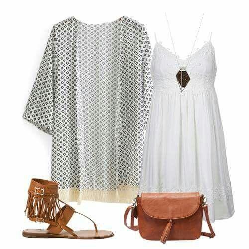 Vestido blanco + kimono + complementos cuero