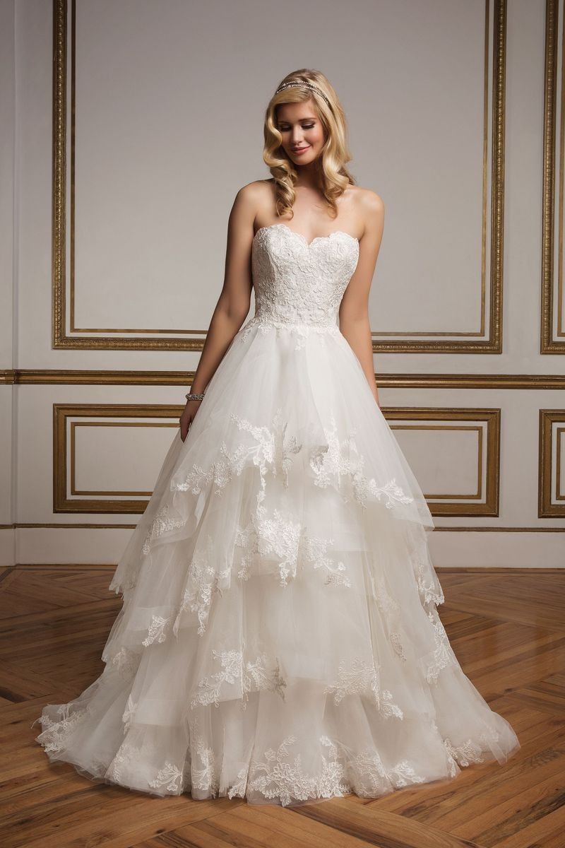 Justin alexander sweetheart bodice and tiered lace ball gown style