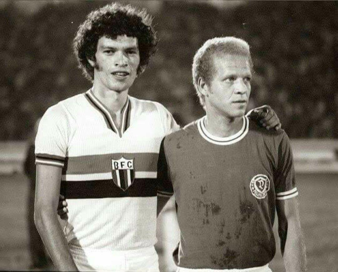 faab6a65df Sócrates (Botafogo SP) e Ademir da Guia (Palmeiras).