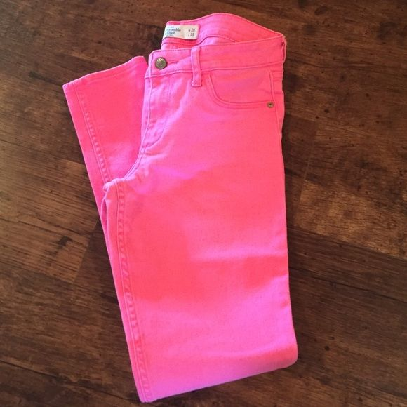 Abercrombie & Fitch hot pink capris A&F hot pink capris! A must have! Great condition! Offers welcome! Abercrombie & Fitch Jeans Ankle & Cropped