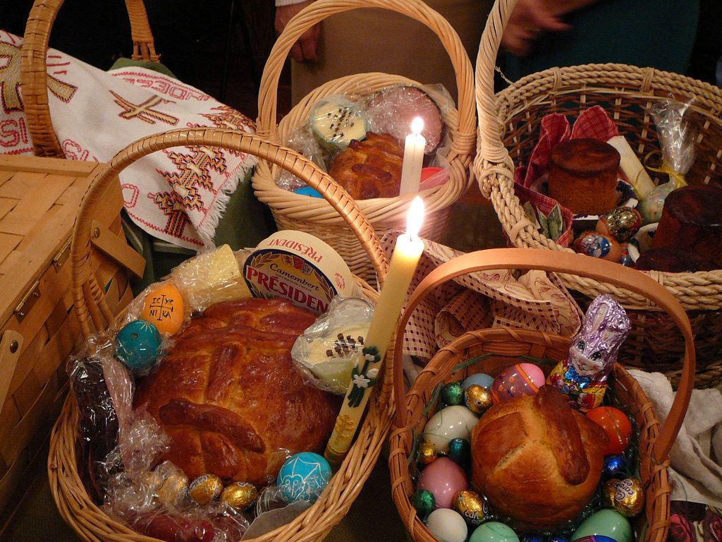 Ukrainian Easter Baskets | Easter baskets, Easter blessings ...