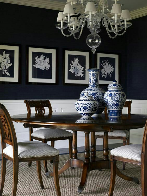 Traditional Blue And White Vases Dining Room Table Centerpieces Dining Room Table Decor Dining Room Colors