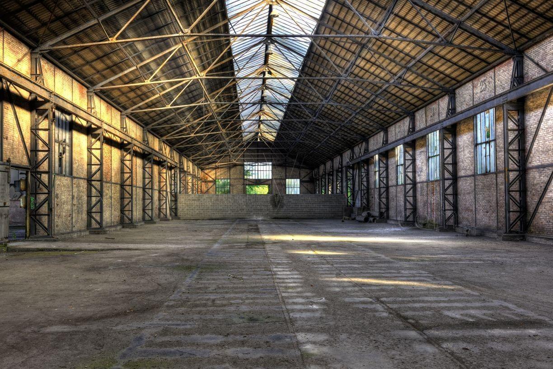 Hangar abandonné