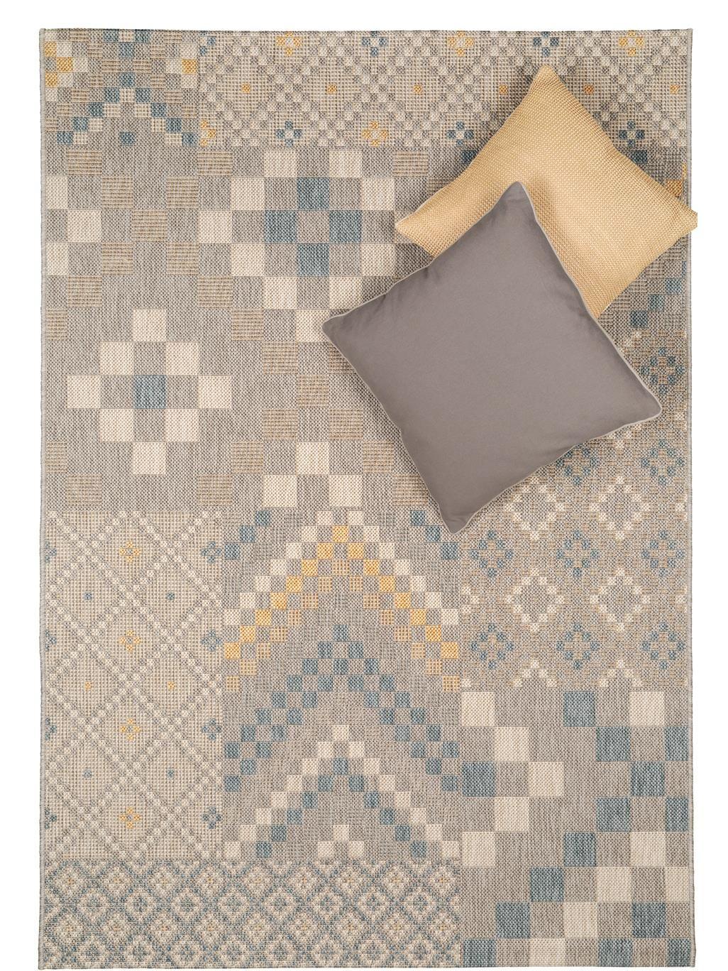 der flachgewebte teppich geometrie von benuta verbindet in sich verschiedene geometrische muster zu einem coolen pixel patchwork sein pfiffiges design ist - Teppich Geometrisches Muster