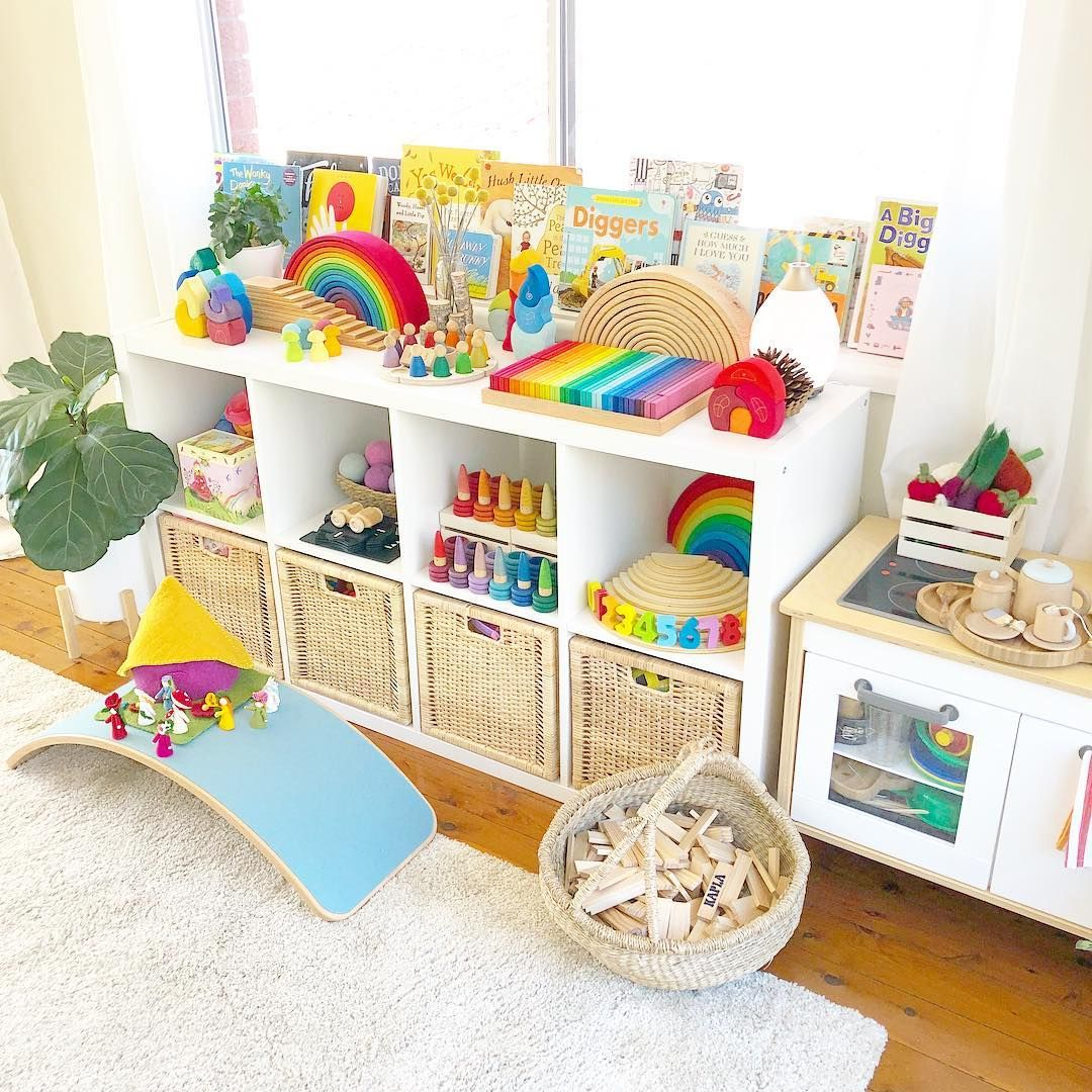 Rainbow Themed Room: Gorgeous Rainbow Themed Kids Room. Enchantmints Spring