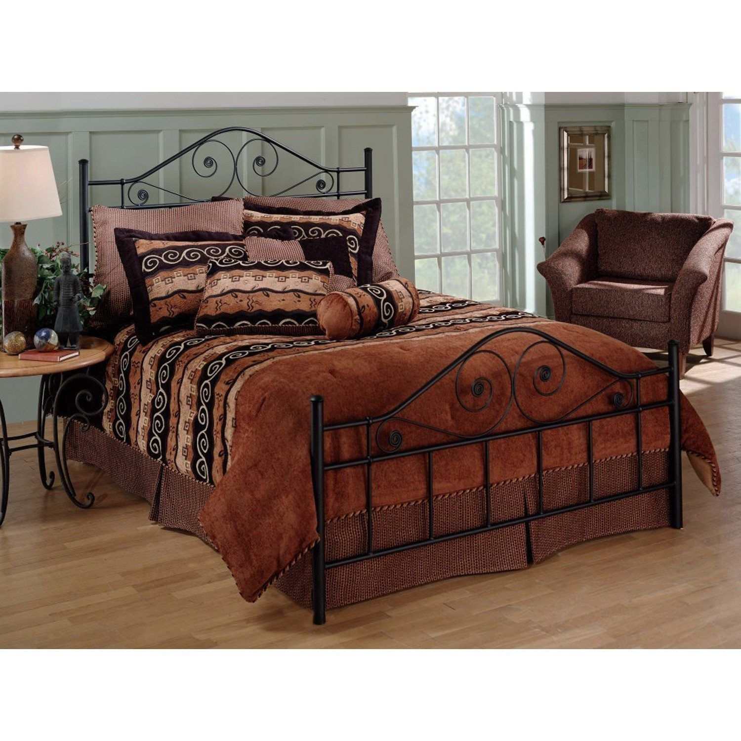 Queen size Black Metal Bed with Scrollwork Headboard and