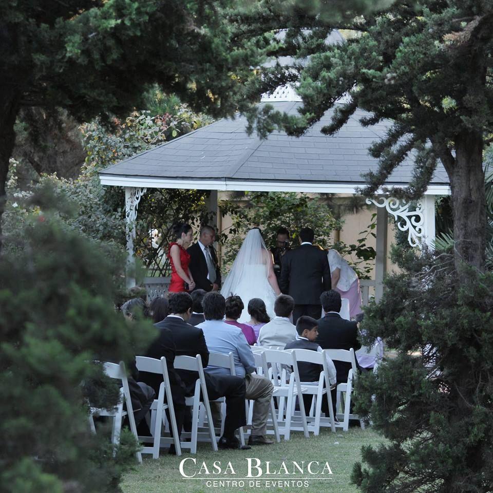 En este momento estamos en la pérgola de #CasaBlanca celebrando el matrimonio civil de Marisel y Andro! Felicidades para los #novios!  www.cbeventos.cl