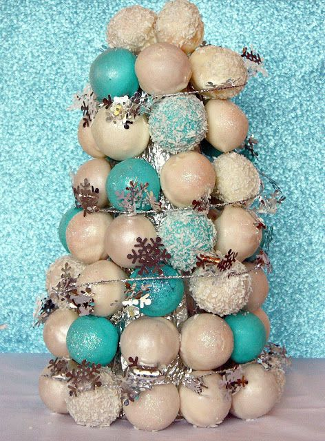 Vanilla Clouds and Lemon Drops: The 12 Days of Christmas ~ Day 12: Cake Pops Christmas Tree