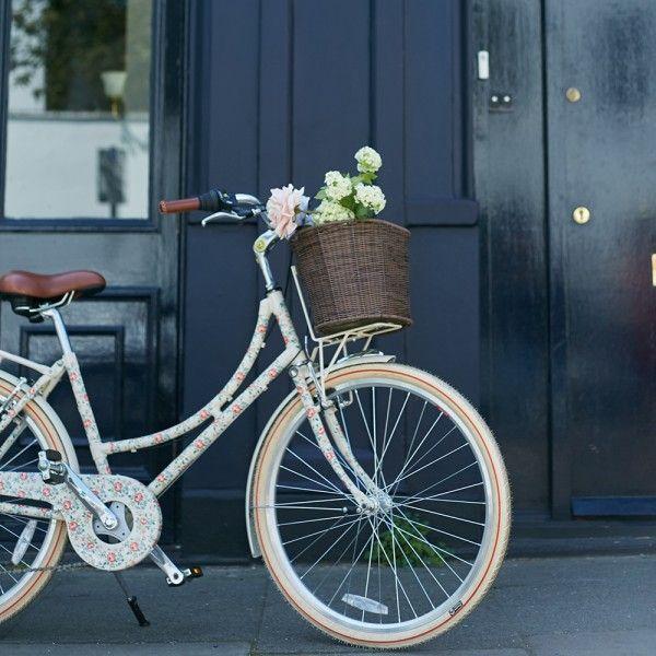 Cath Kidston Latimer Rose ladies Bike | Cyclechic | Cyclechic