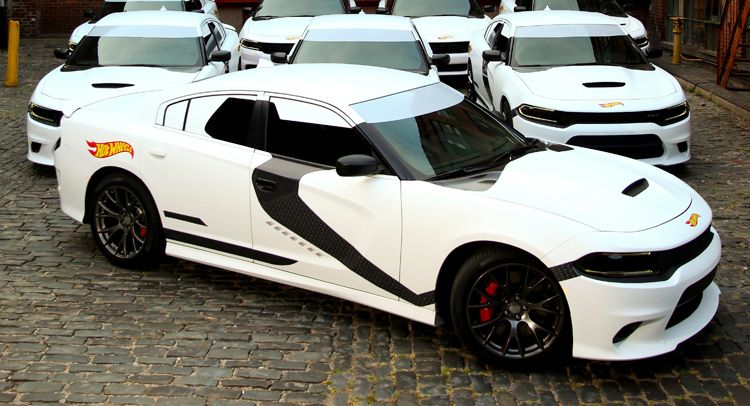 Stormtrooper Themed Dodge Chargers Gave Free Uber Rides In Nyc W Video With Images Dodge Charger Dodge Star Wars Awesome