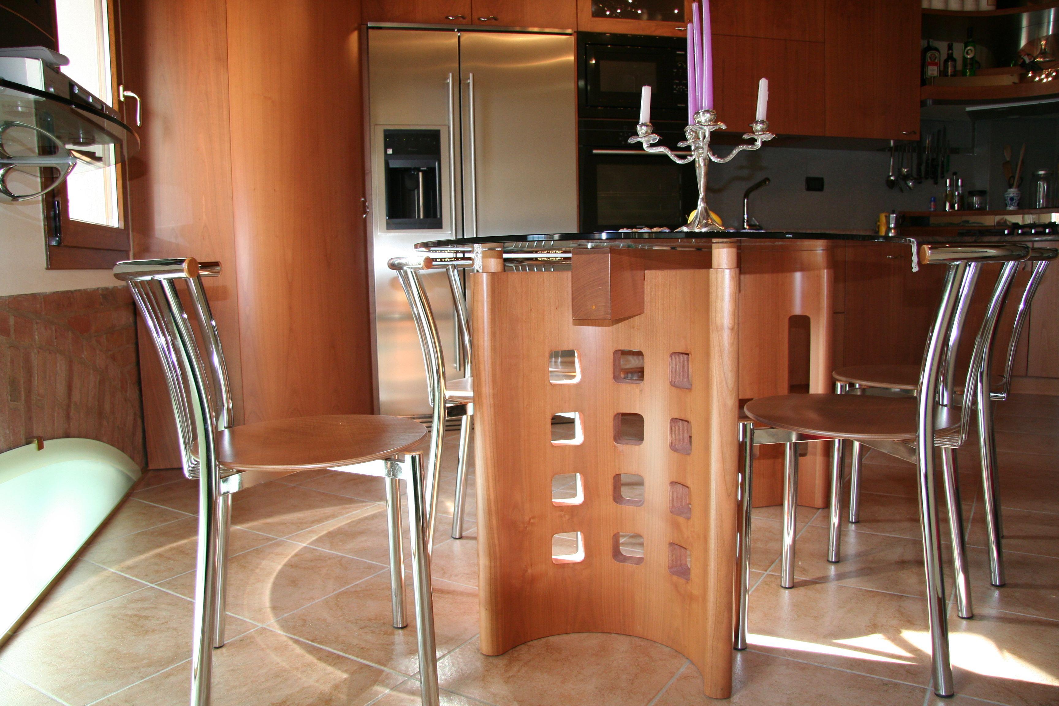 Cucina Bianca E Ciliegio tavoli da cucina in ciliegio