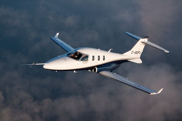 The Diamond D-Jet with this paint scheme looks a bit like