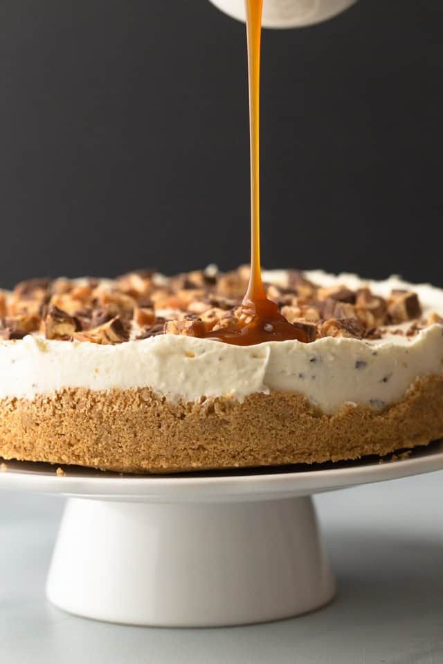 No-Bake Snickers Cheesecake #snickerscheesecake