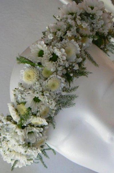 Kwiaty We Wlosach Komunia Szukaj W Google Flower Crown Tan Wedding Wedding