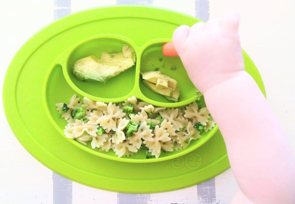 Easy Baby-Led Weaning First Food Ideas #mam58 These first foods are perfect for baby-led weaning, especially if you're nervous about choking. Click to read more about my favorite products to use with the baby-led weaning method! | First Foods | Starter Foods | Avocado | Banana | Yogurt | 6 Months | BLW | #babyledweaning #firstfoods #blw #ideas #startingsolids #solids #baby #recipes #meals #easy #nutritious