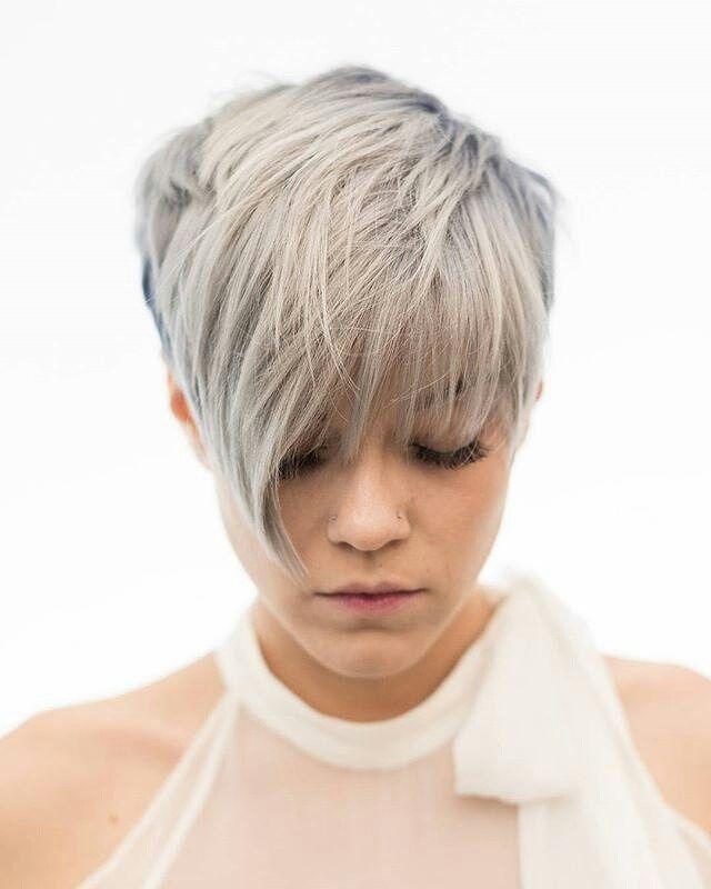7 chic pixie coupe de cheveux facile coiffure courte votre coiffure mes cheveux gris cheveux. Black Bedroom Furniture Sets. Home Design Ideas