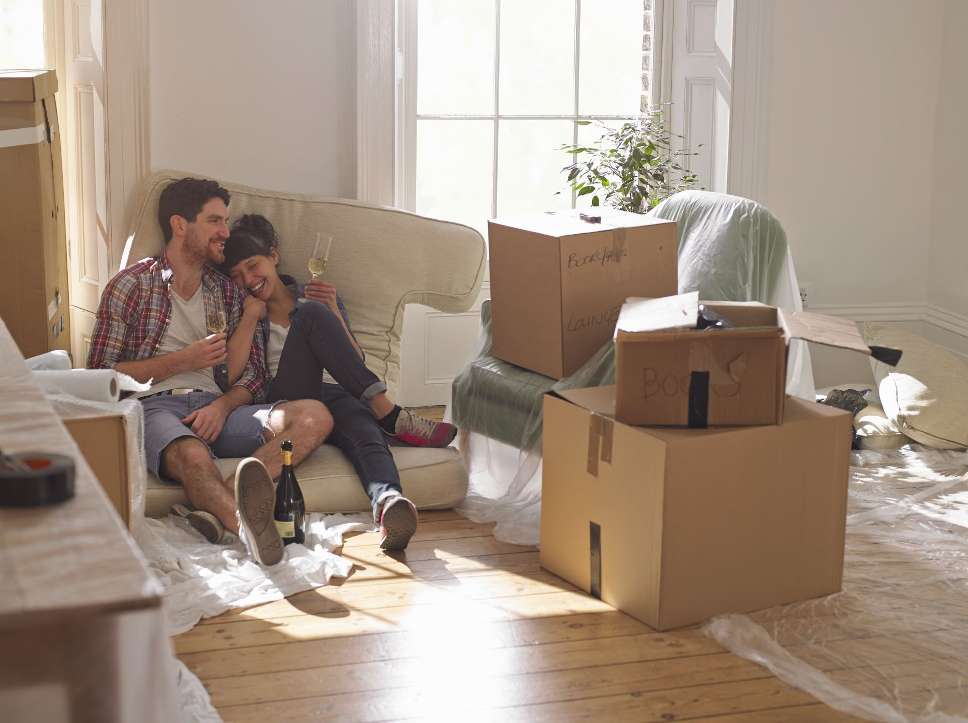 Moving Into A New House Here Are 20 Things You Need To Do Asap