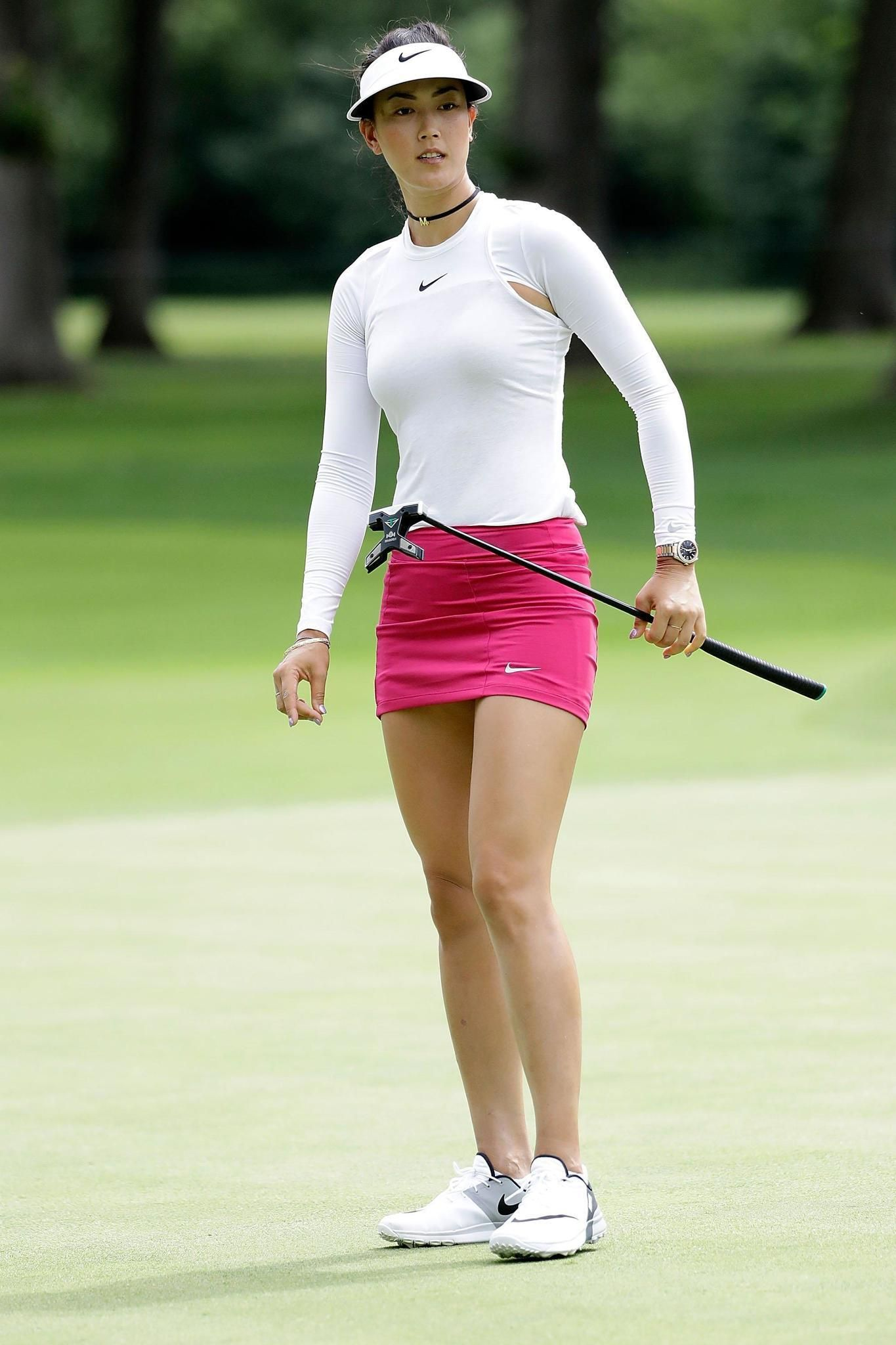 female-amateur-golfer-china-helen-hunt-young-hot