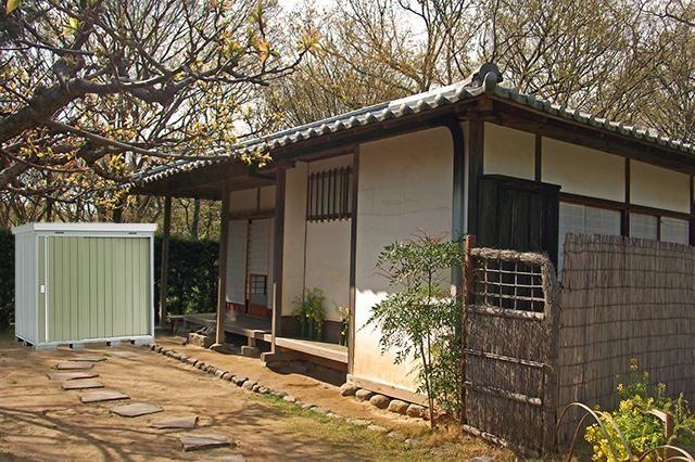 日本の古民家にオリーブグリーンを配置
