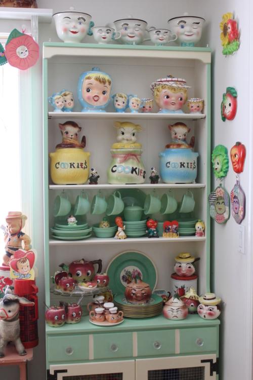 Kitschy Kitchen Decor , Home Decorating Ideas