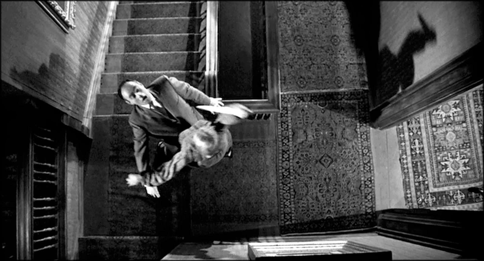http://www.kinopitheque.net/wp-content/uploads/2015/10/Hitchcock-Psychose.jpg