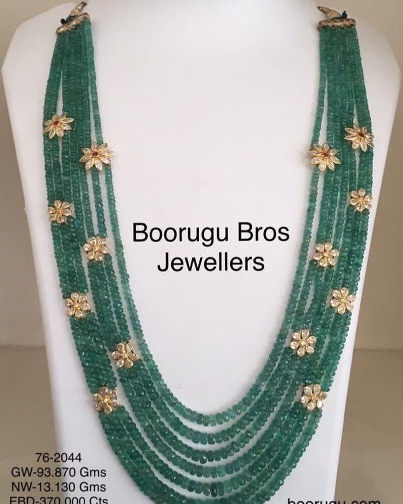 Green stone bead necklace 130