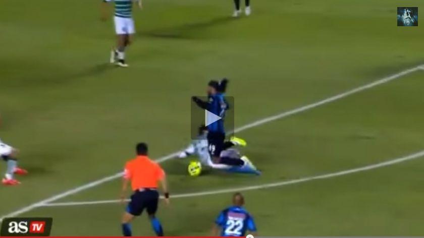 'Piscinazo' di Ronaldinho: incredibile simulazione