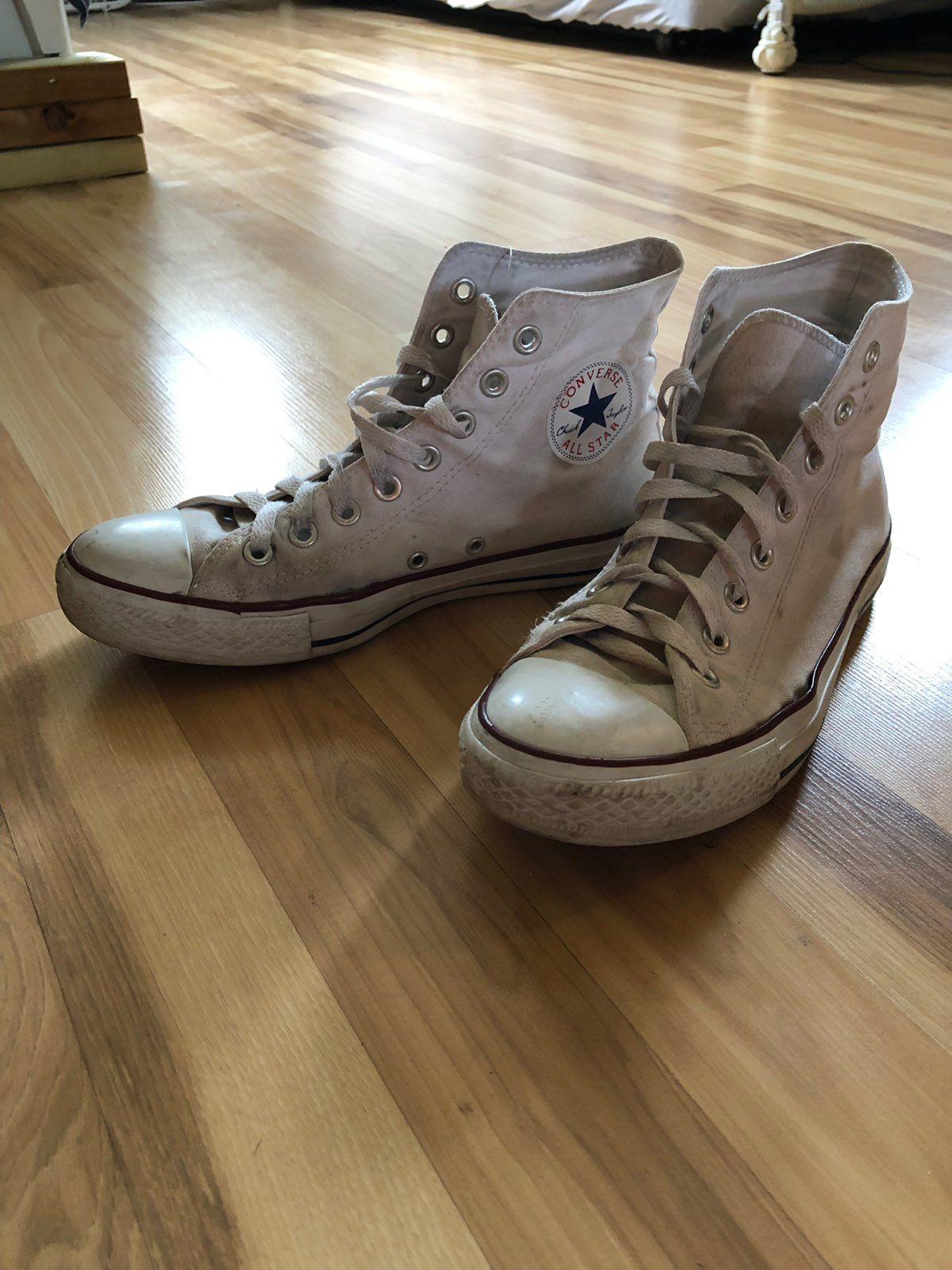 Women's size 9 white high top converse